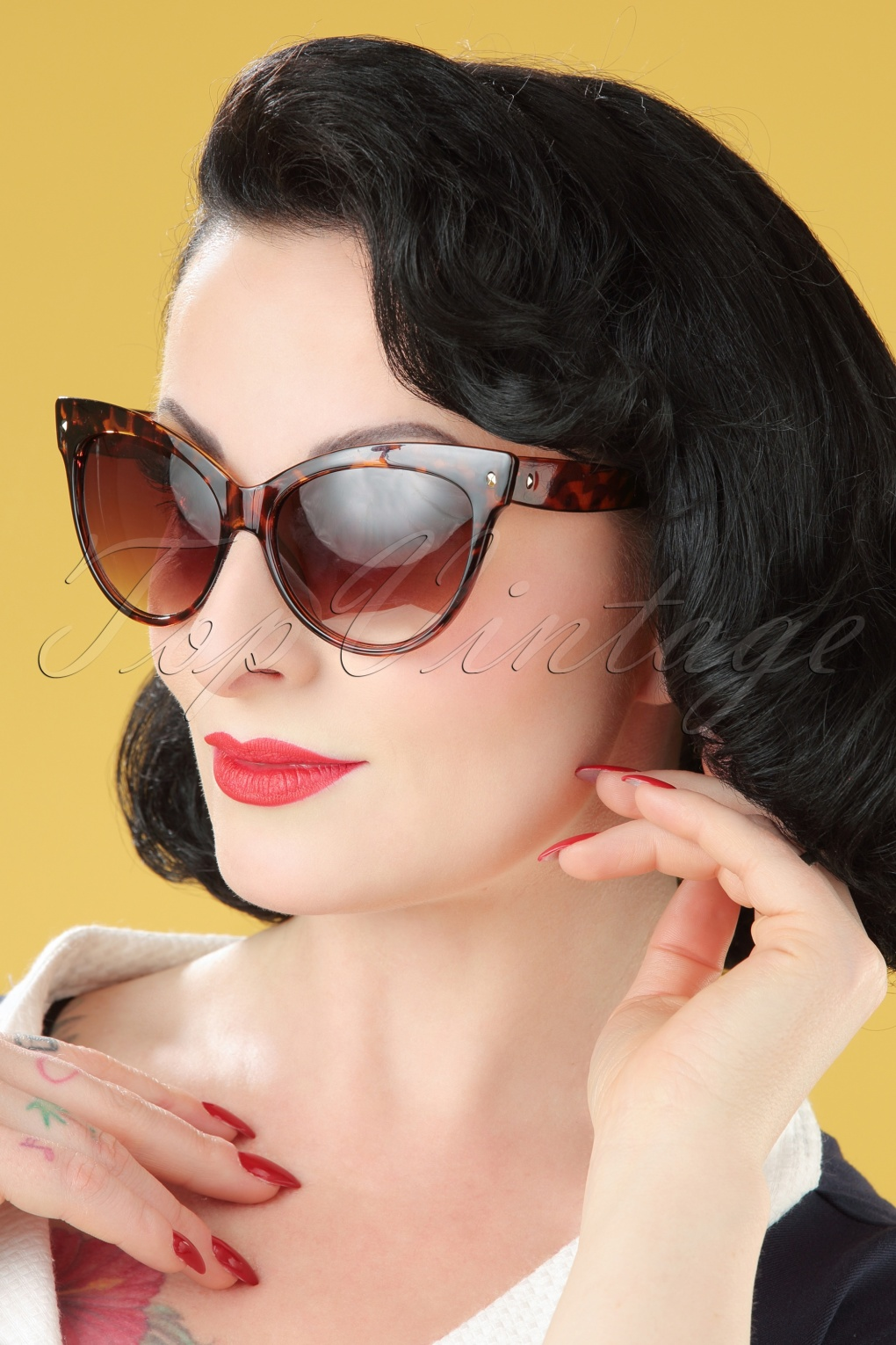 Unique Retro Vintage Style Sunglasses & Eyeglasses 50s So Retro Great Cat Sunglasses in Turtoise £8.72 AT vintagedancer.com