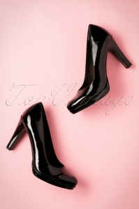Tamaris 50s Katie Laquer Pumps in Black