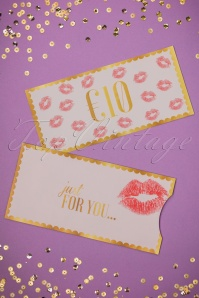 Top Vintage Gift Card 05312017 021W