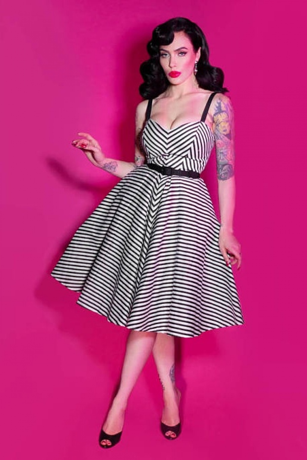 topvintage exclusive 50s dollface swing dress in black and white stripes. Black Bedroom Furniture Sets. Home Design Ideas