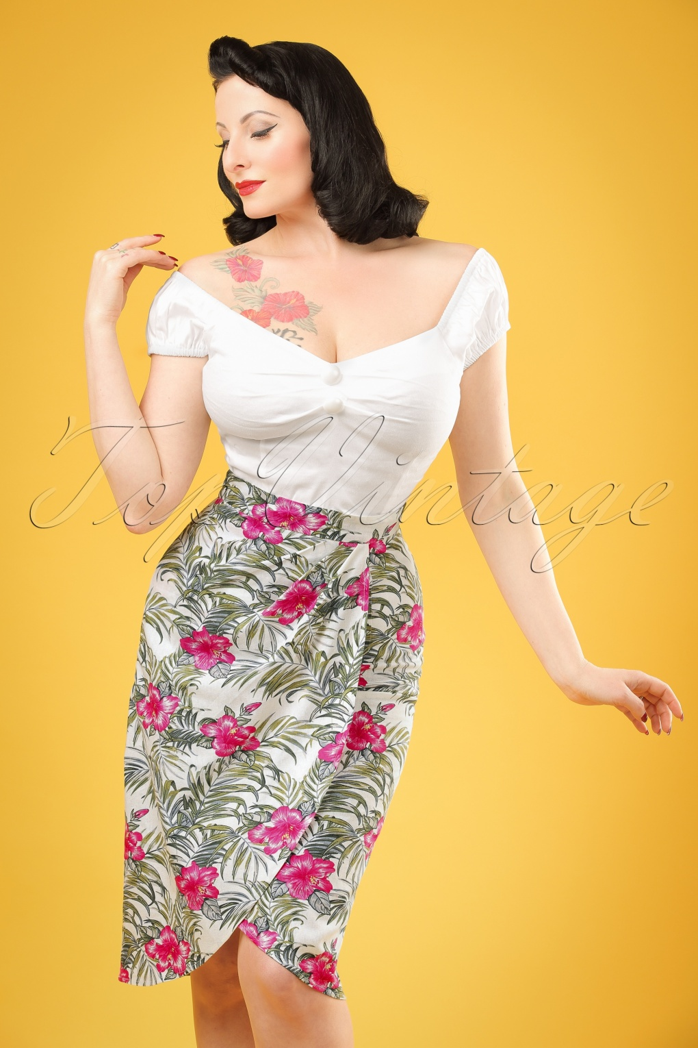 1950s Skirt Styles & History 50s Kala Tropical Hibiscus Sarong Skirt in Ivory £35.08 AT vintagedancer.com