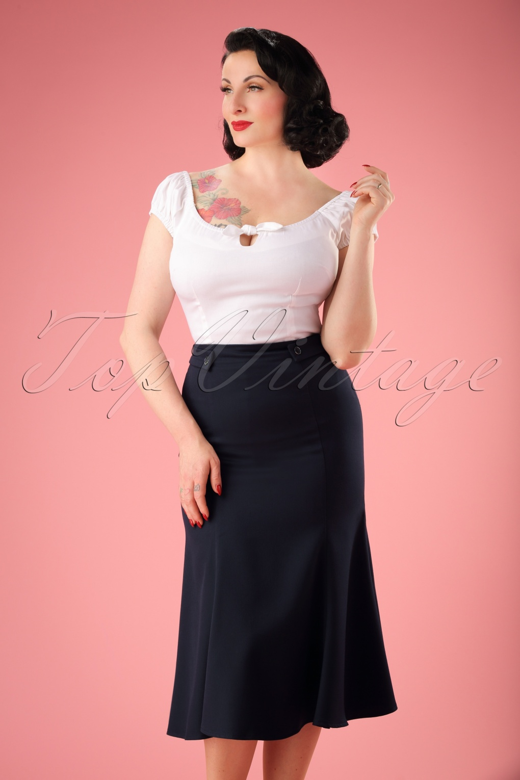 1940s Teenage Fashion: Girls 40s Personified Elegance Skirt in Navy £35.08 AT vintagedancer.com