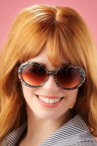 60s So Retro Vanity Sunglasses in Blue