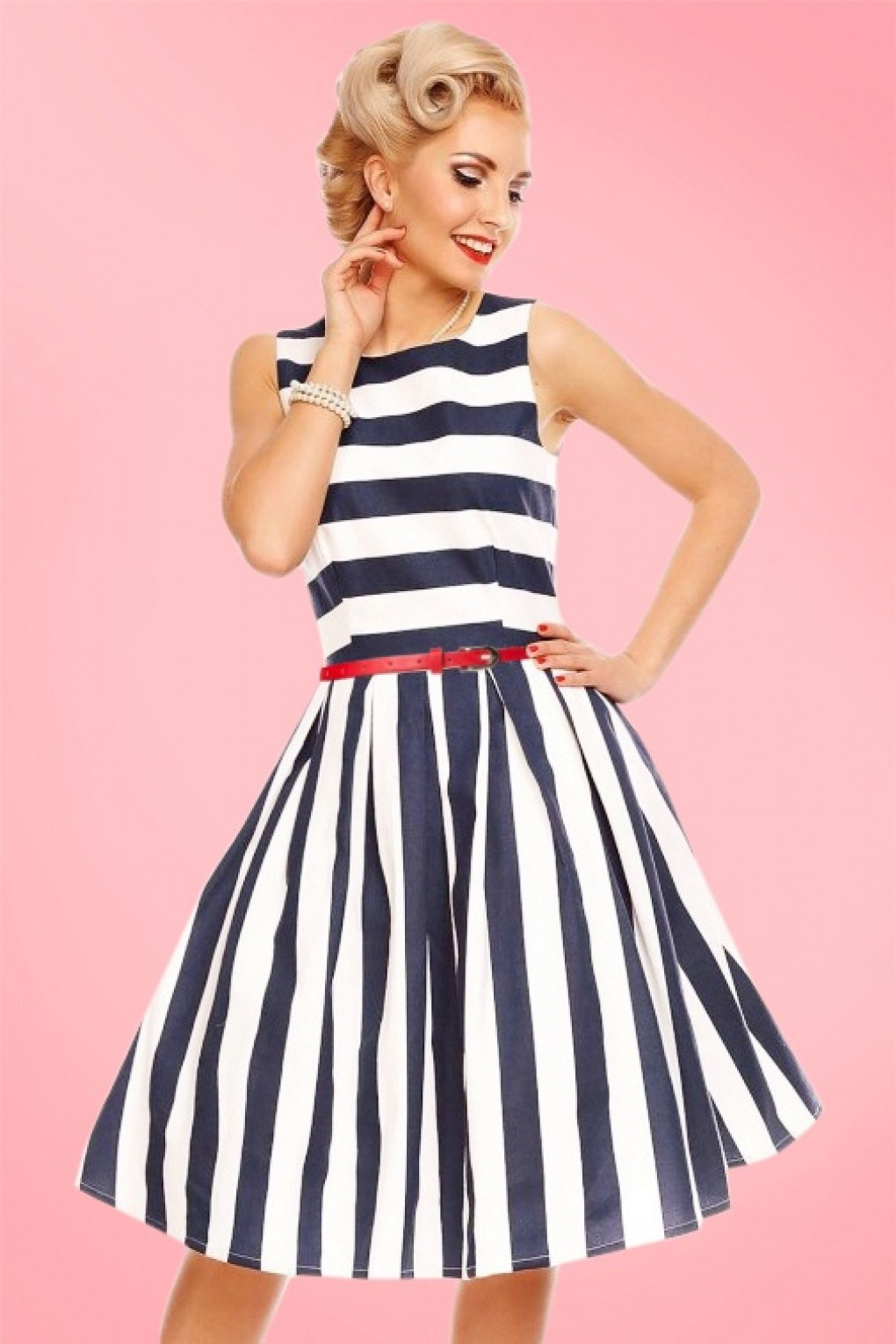 1950s Dress Styles: 8 Popular Vintage Looks 50s Annie Stripes Swing Dress in Navy and White £43.86 AT vintagedancer.com