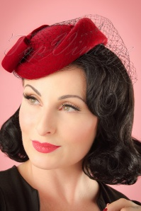 Collectif Clothing Lucy Hat in Red 202 20 16987 20151130 model01W
