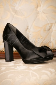 50s Satin Bow Pumps in Black