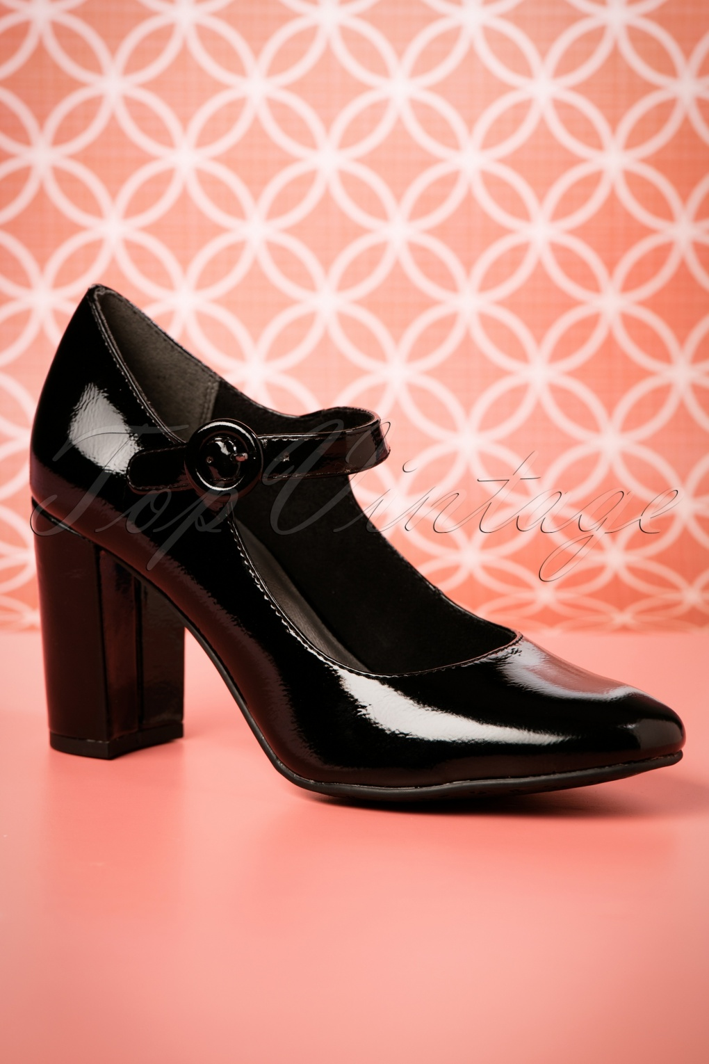 Vintage Style Shoes, Vintage Inspired Shoes 60s Mary Jane Lacquer Pumps in Black £45.11 AT vintagedancer.com