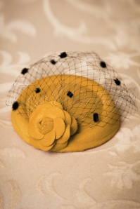 Dancing Days by Banned Mailyn Fascinator mustard 201 80 22216 03062017 010W