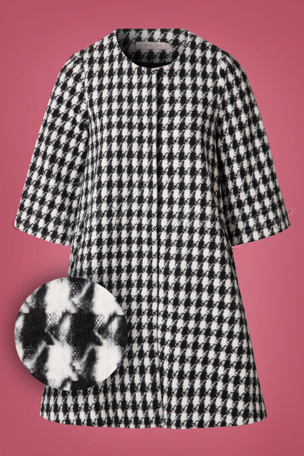 1960s Fashion: What Did Women Wear? 60s Check Mate Swing Coat in Black and White £150.41 AT vintagedancer.com
