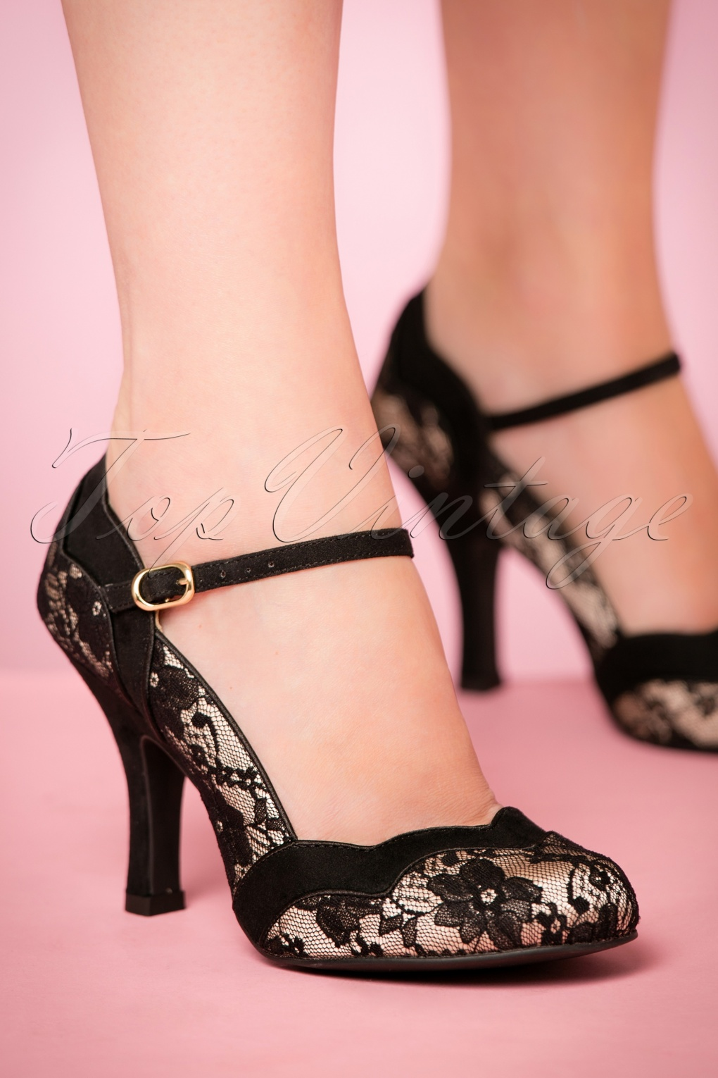 1950s Style Shoes 50s Imogen Pumps in Black Lace £72.14 AT vintagedancer.com