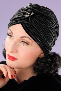20s Viola Velvet Turban Hat in Black