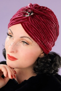 20s Viola Velvet Turban Hat in Red