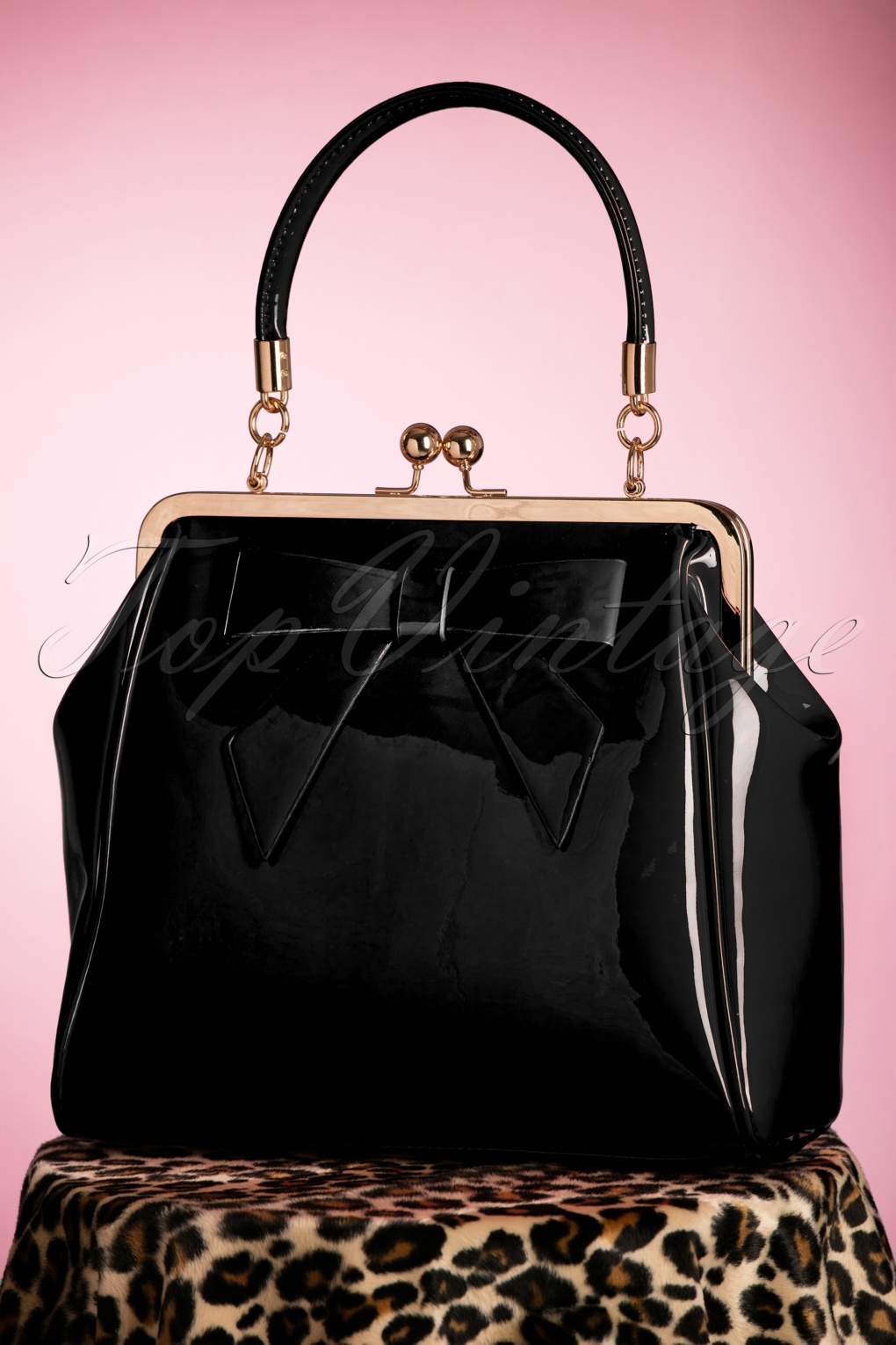 Vintage & Retro Handbags, Purses, Wallets, Bags 50s American Vintage Patent Bag in Black �35.28 AT vintagedancer.com