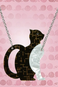 Erstwilder Purrfectly Content Cat Necklace Grey Black Front 23035 1