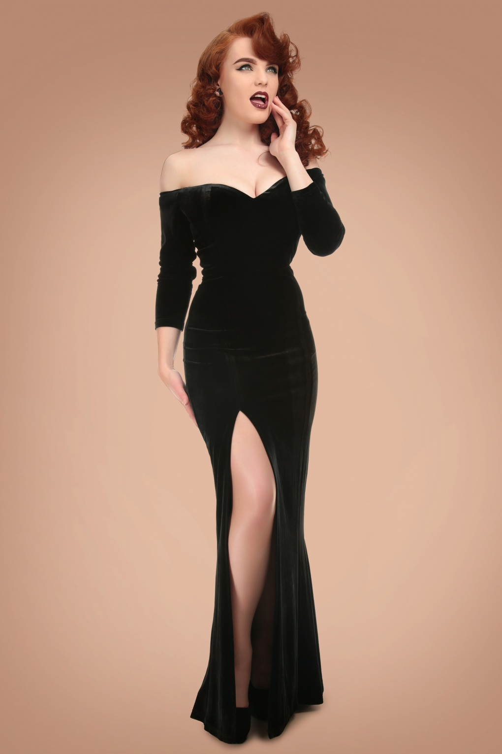 1950s Prom Dresses & Party Dresses 50s Anjelica Velvet Maxi Dress in Black £64.23 AT vintagedancer.com