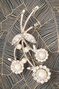 Darling Divine 40s Pearls and Diamonds Flower Brooch in Silver