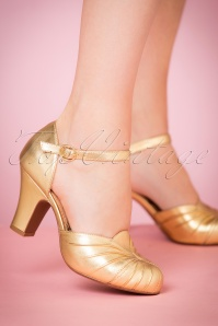 40s Amber Mary Jane Pumps in Striking Gold