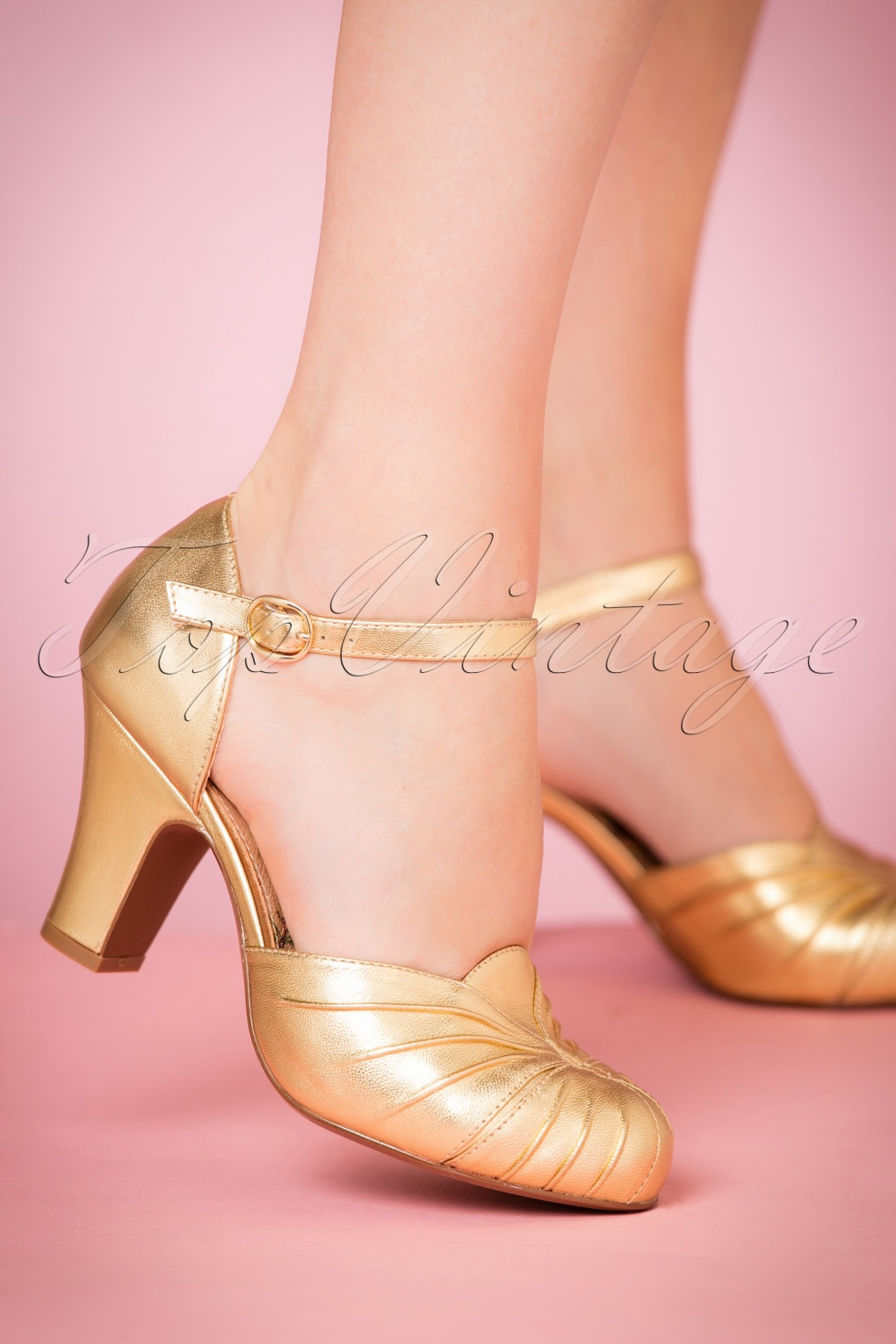 1930s Style Shoes – Art Deco Shoes 40s Amber Mary Jane Pumps in Striking Gold £151.83 AT vintagedancer.com