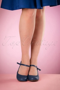 Bettie Page Shoes Bettie Pumps in navy 21497 04132016 006retouchedW