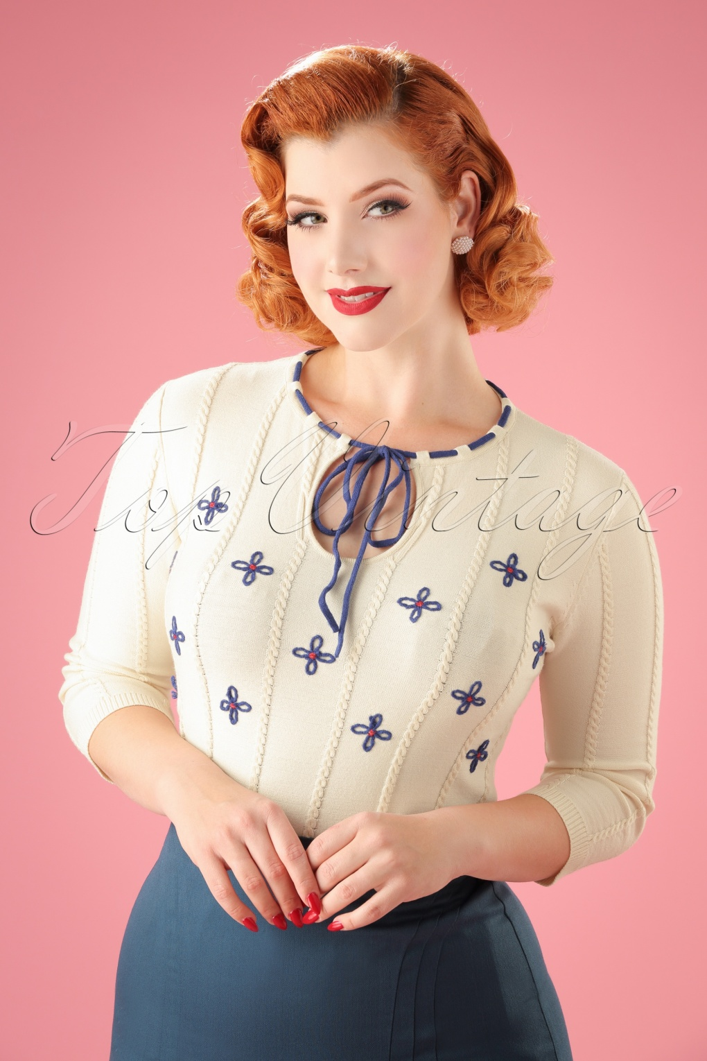 1950s Style Sweaters, Crop Cardigans, Twin Sets 50s Holly Floral Sweater in White £40.09 AT vintagedancer.com
