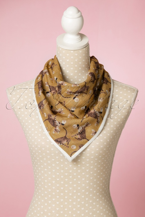 Darling Divine Cat scarf in yellow 240 89 22664 12092017 003W