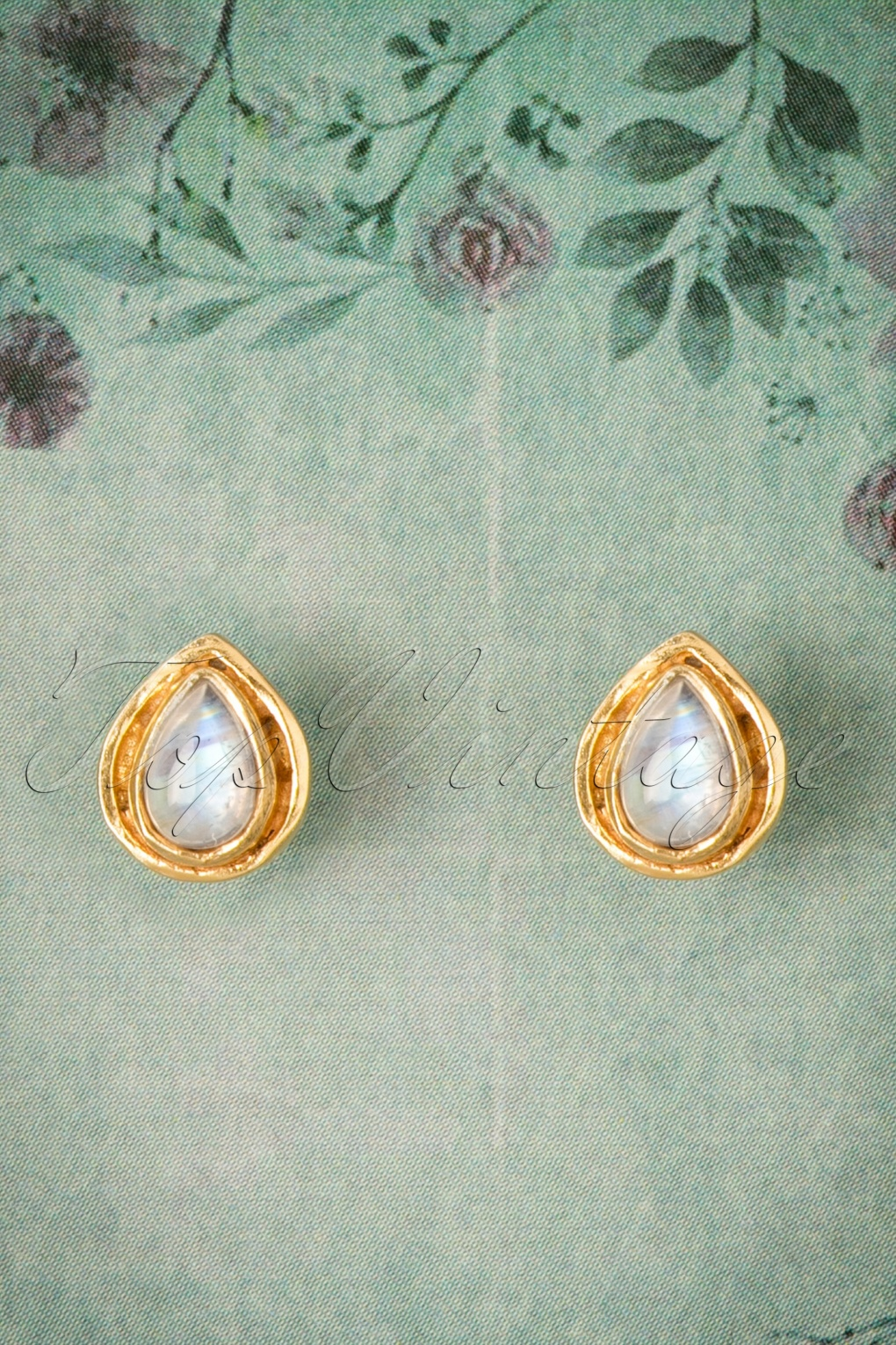 1960s Costume Jewelry – 1960s Style Jewelry 60s White Opal Secret Eye Earstuds in Gold £31.42 AT vintagedancer.com