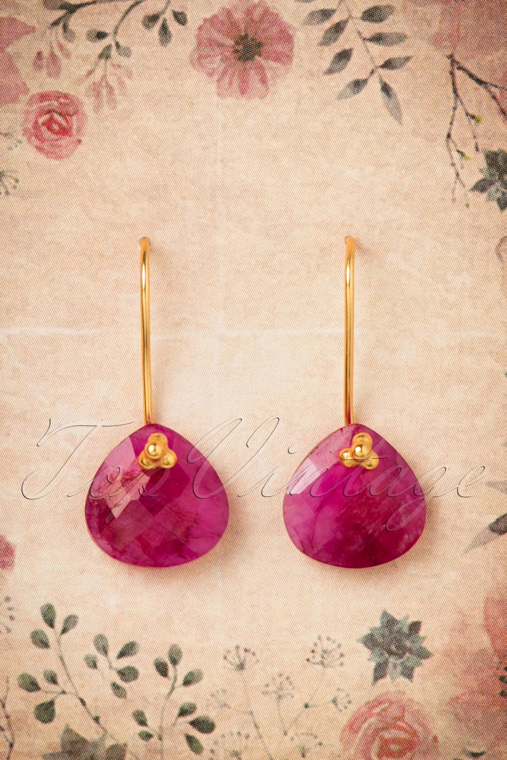 1960s Costume Jewelry – 1960s Style Jewelry 60s Ruby Lucky One Earrings in Gold £40.41 AT vintagedancer.com