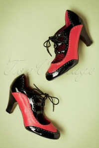 Dancing Days by Banned Red and black Pump 400 20 22438 25092017 015gW