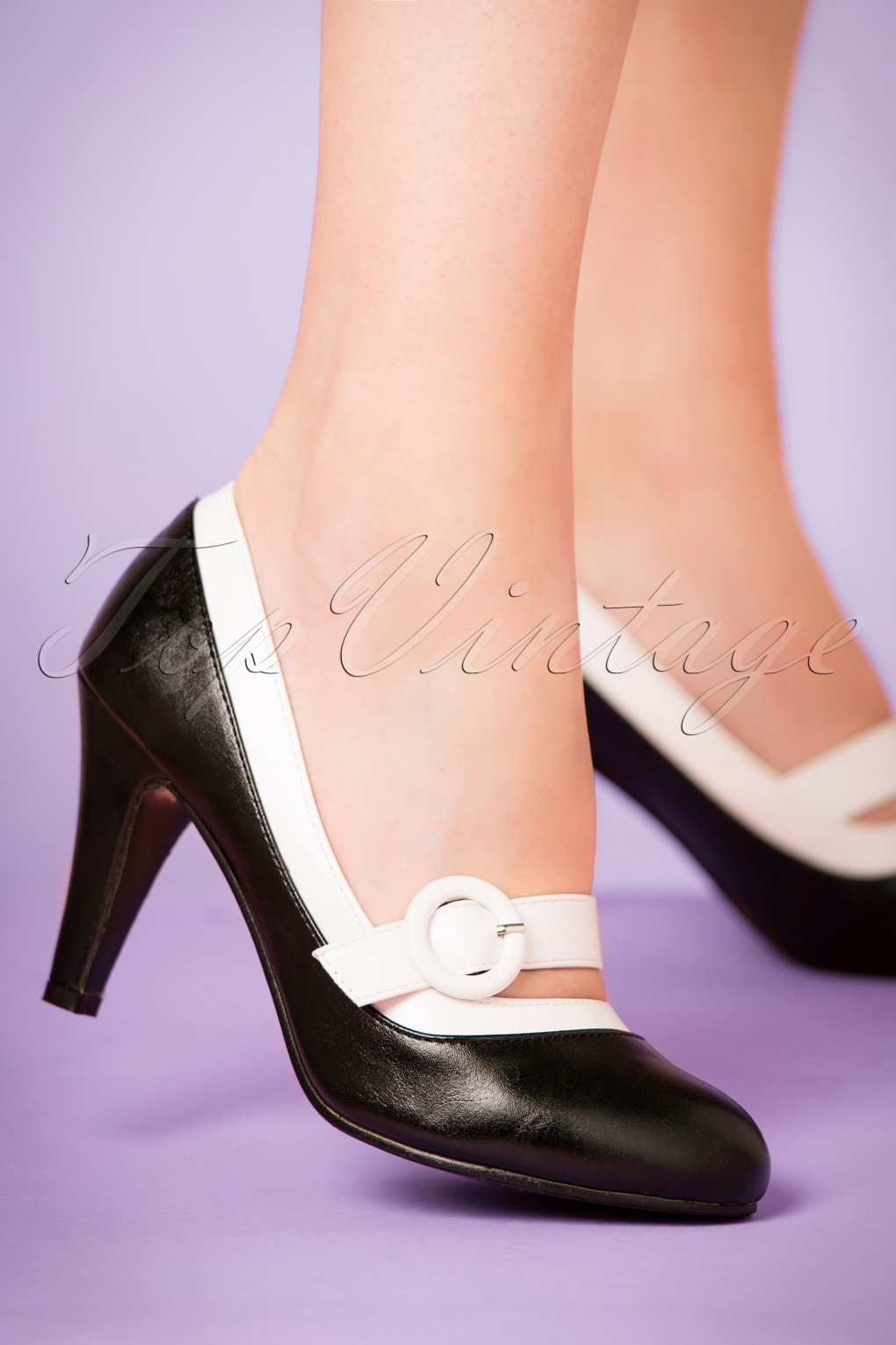 Vintage Style Shoes, Vintage Inspired Shoes 60s Beatrix High Heel Pumps in Black and White £42.67 AT vintagedancer.com