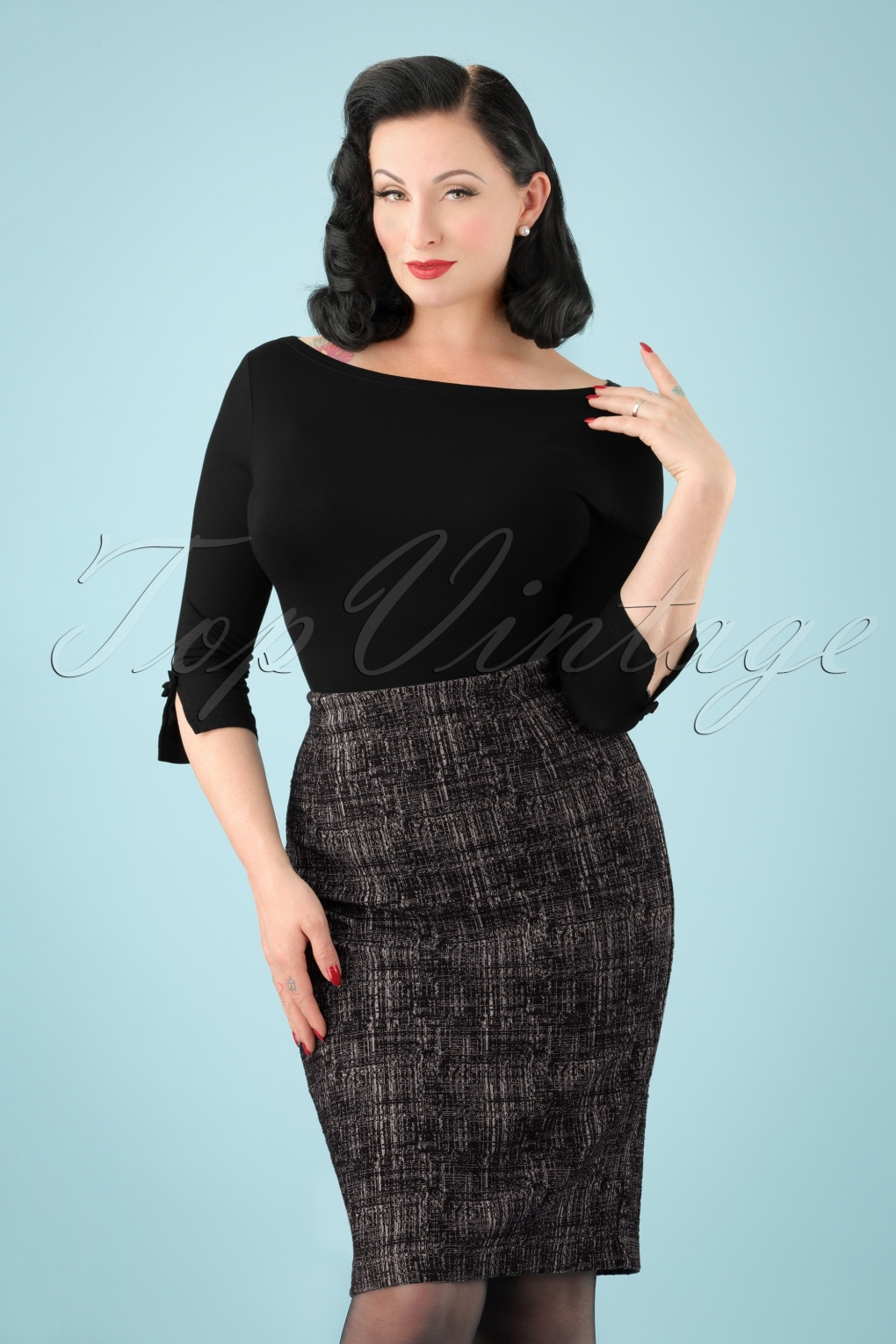 Retro Skirts: Vintage, Pencil, Circle, & Plus Sizes 60s Neve Structured Pencil Skirt in Black and White £48.89 AT vintagedancer.com