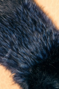 Amici Kendall Navy Fur Scarf 240 30 22339 07062017 015c