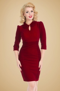 Hearts & Roses Velvet Pencil Dress in Burgundy 100 20 22737 20171009 0014