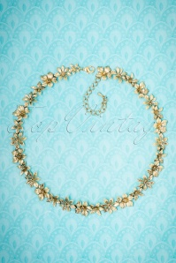 Collectif Clothing Golden Floral Necklace 300 91 21645 10102017 006W
