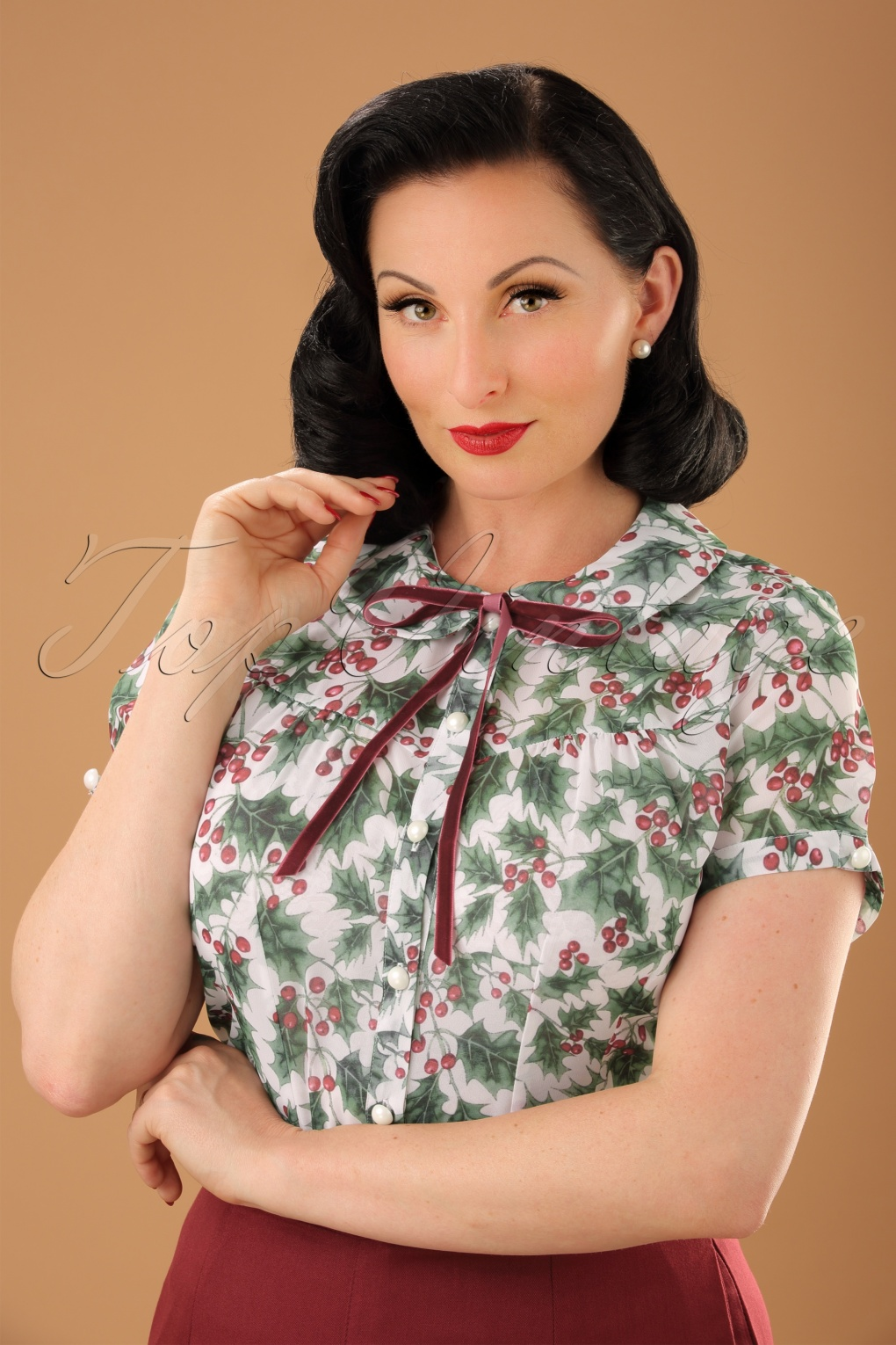 1950s Tops and Blouse Styles 50s Holly Berry Blouse in Ivory £29.29 AT vintagedancer.com