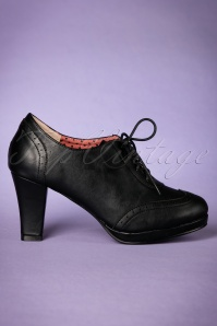 Bettie Page Shoes 50s Saison Brogue Booties in Black