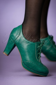 Bettie Page Shoes 50s Saison Brogue Booties in Green