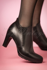 50s Donna Leather Ankle Booties in Black