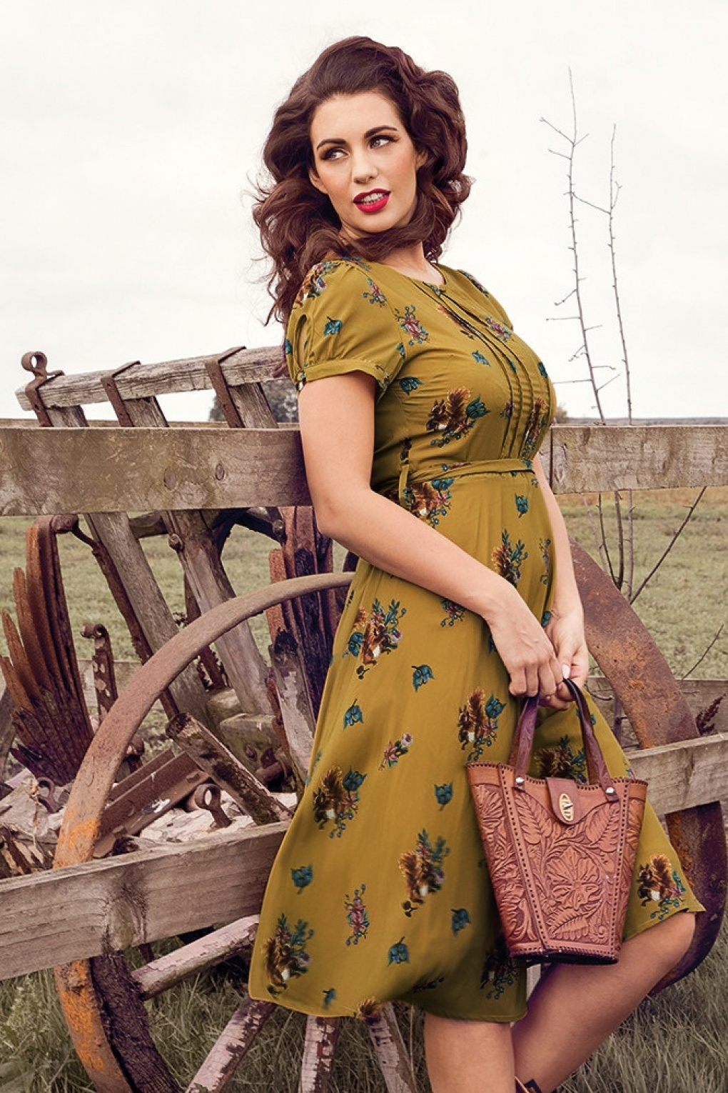 1940s Style Dresses and Clothing 50s Bretta Squirrel Tea Dress in Mustard £39.84 AT vintagedancer.com