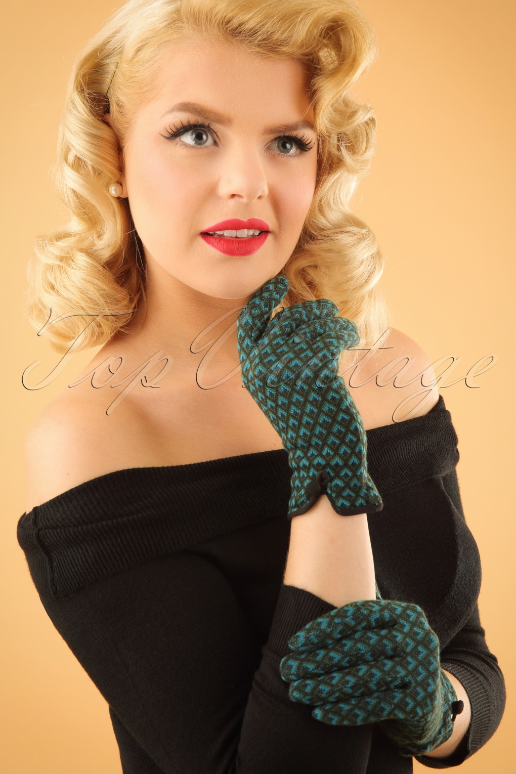 Vintage Style Gloves 60s Sunset Gloves in Forest Green £17.94 AT vintagedancer.com