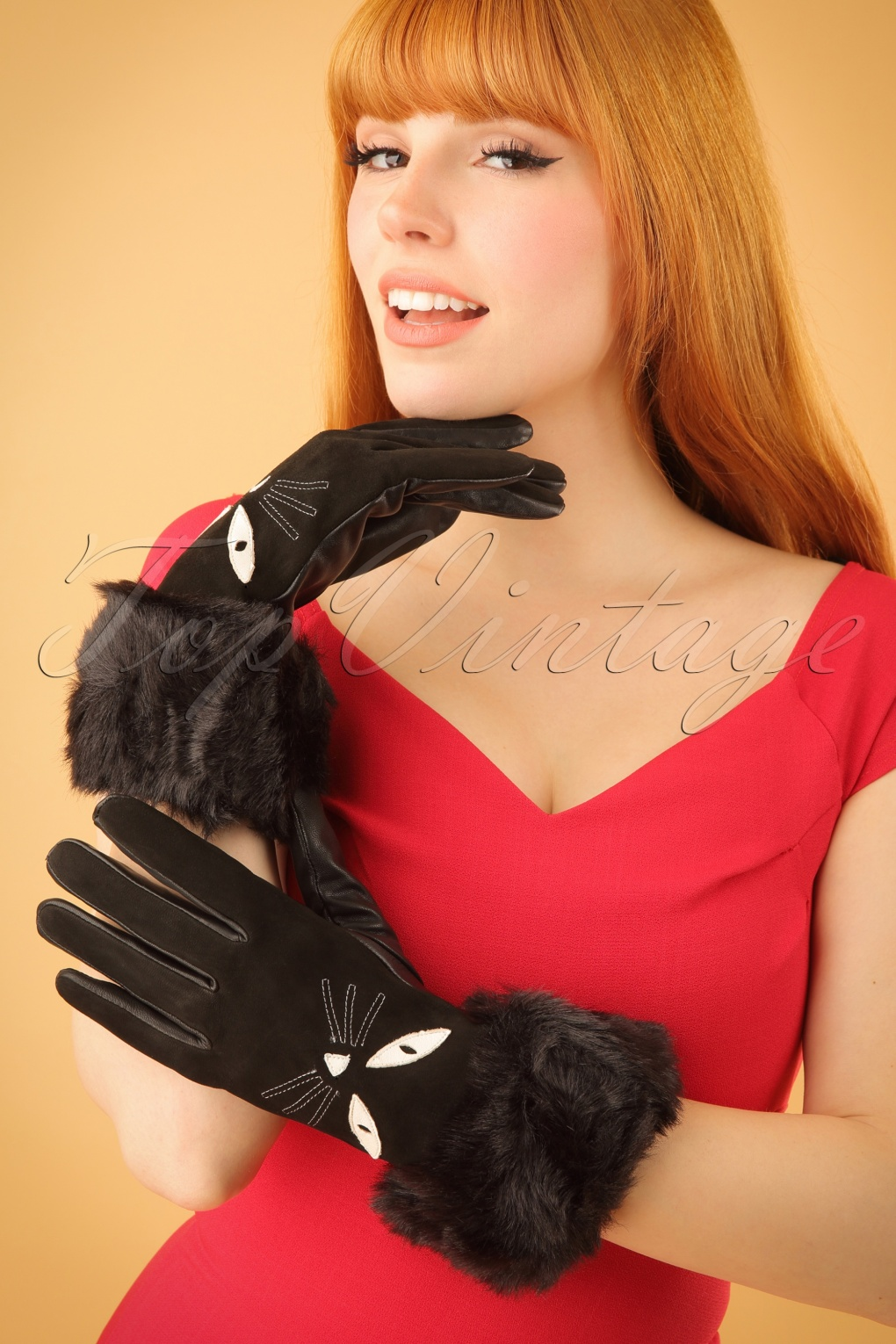 Vintage Style Gloves 60s Leather Cat Gloves in Black £35.31 AT vintagedancer.com