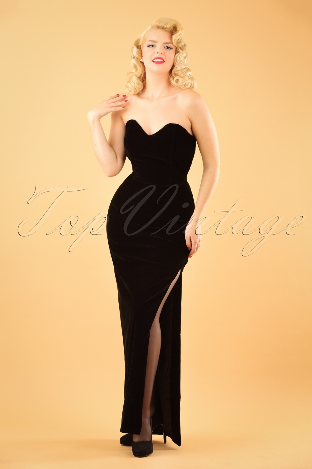 1950s Prom Dresses & Party Dresses 50s Doris Velvet Maxi Dress in Black £85.06 AT vintagedancer.com