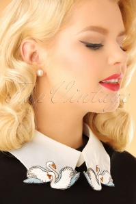 60s Love Swans Collar in White