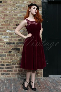50s Romance Evening Velvet Dress in Burgundy