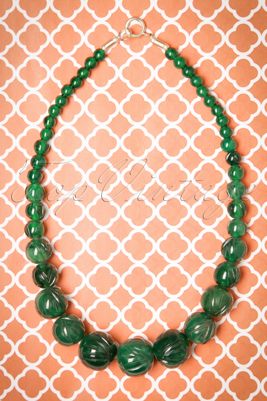 1930s Costume Jewelry TopVintage Exclusive  20s Luna Carved Pearl Necklace in Deep Green £11.64 AT vintagedancer.com