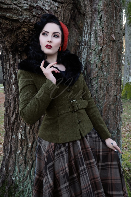 Collectif Clothing Molly Jacket in Green 21764 20170609 0024 wilhelmina af feraw