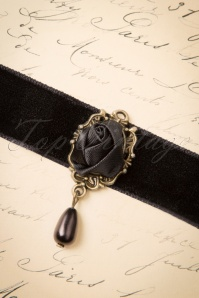 Victoria's Gem Rose Choker in Black 309 10 23902 20171113 0008w