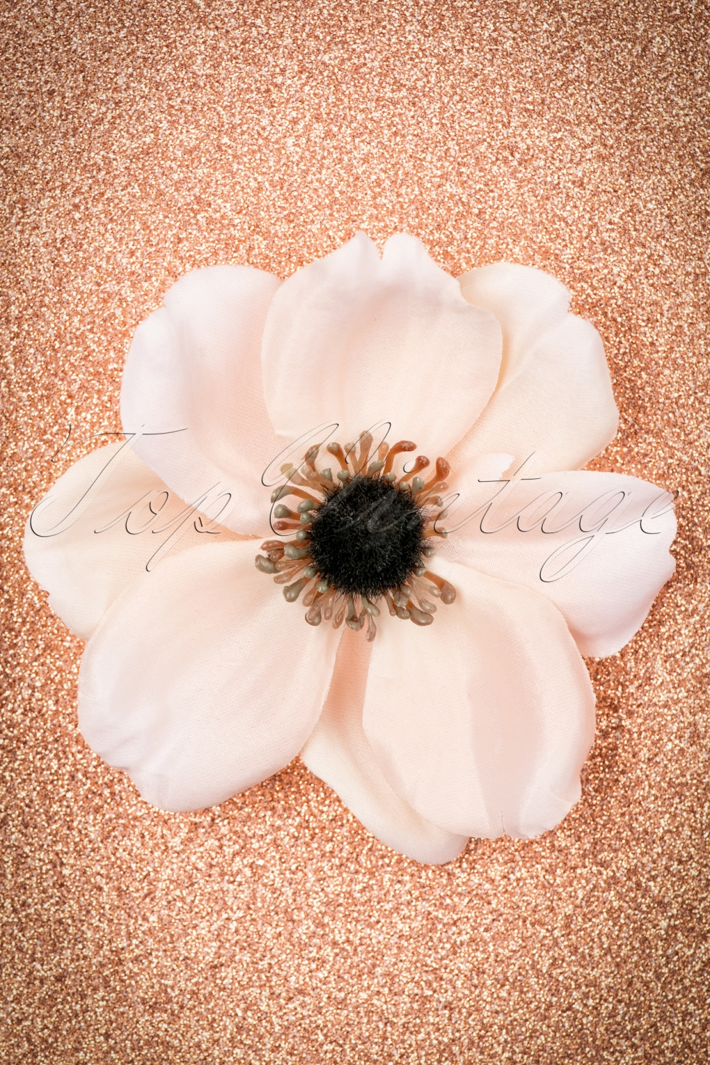 1940s Hairstyles- History of Women's Hairstyles 50s Lovely Anemone Hair Clip in Light Pink £11.29 AT vintagedancer.com