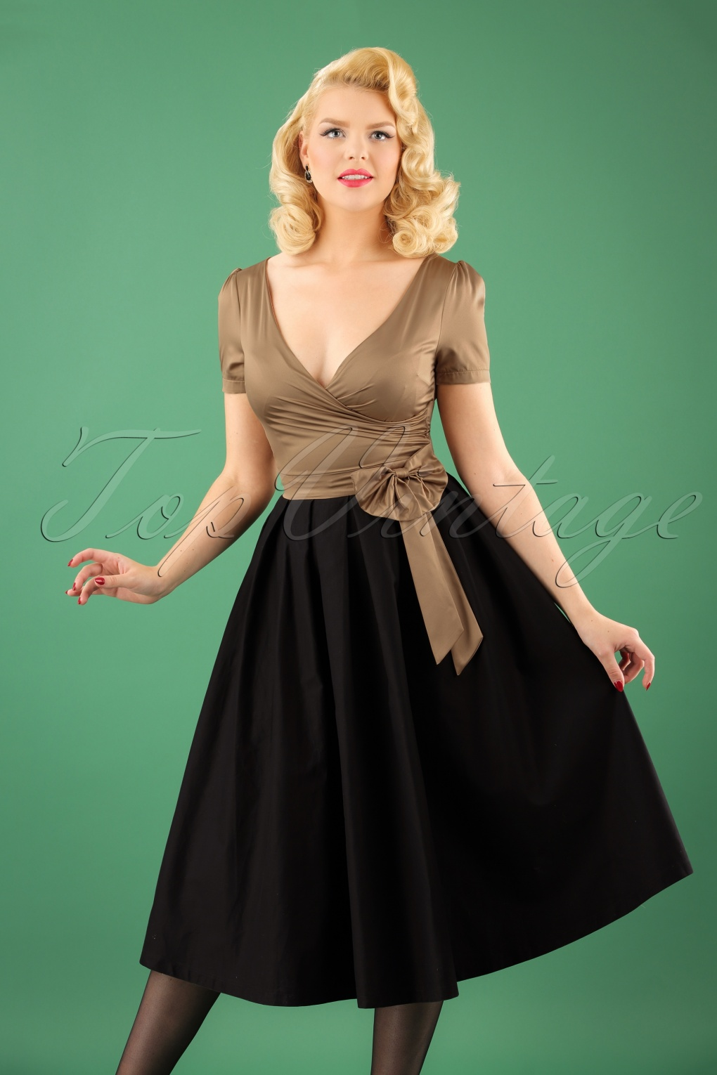 500 Vintage Style Dresses for Sale 50s Gina Glamorous Tea Party Dress in Gold and Black £48.53 AT vintagedancer.com