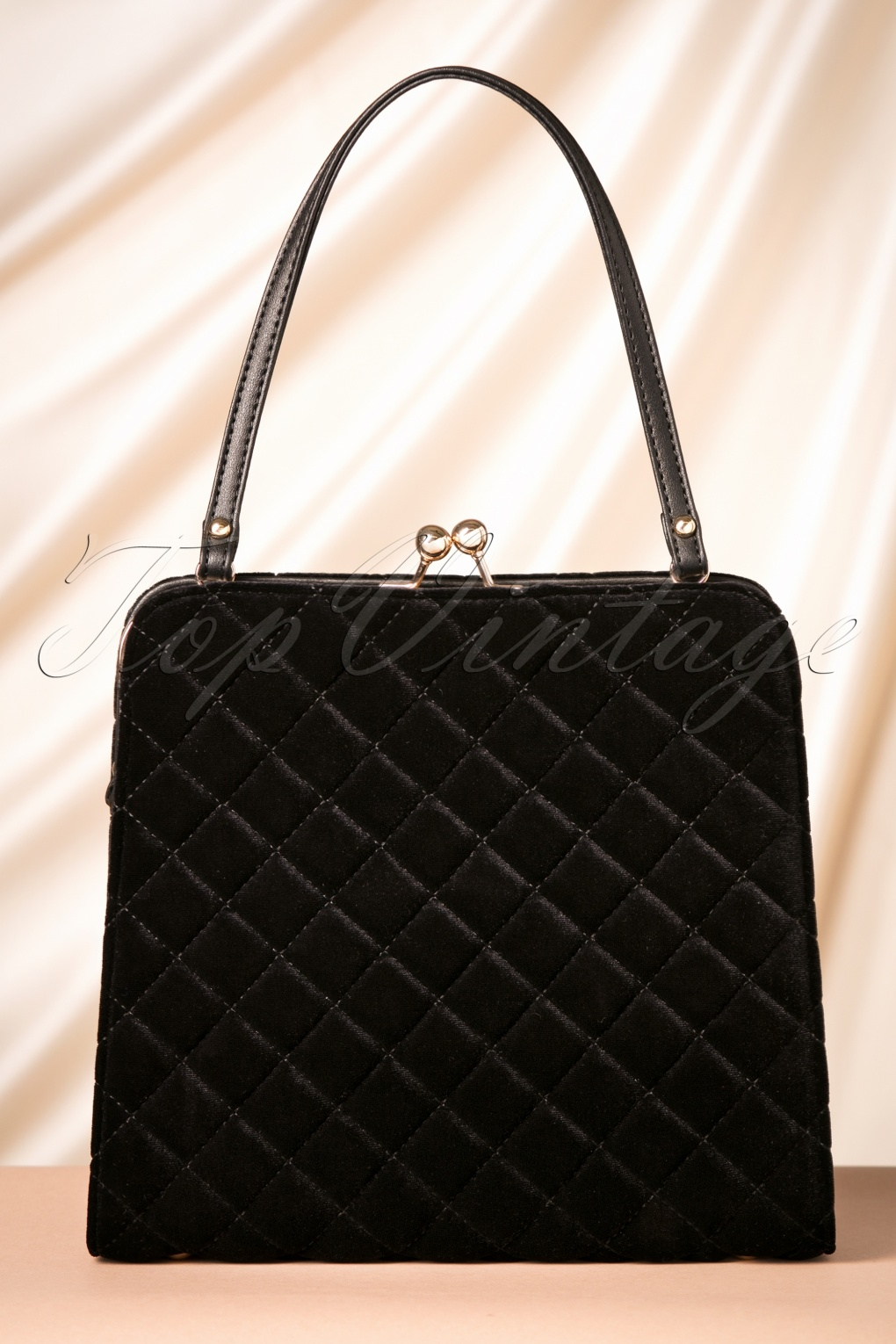 Vintage & Retro Handbags, Purses, Wallets, Bags 50s Quilted Velvet Handbag in Black £26.56 AT vintagedancer.com