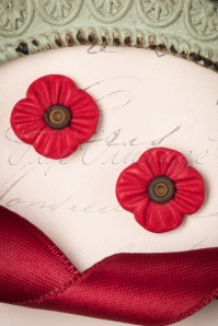 50s Poppy Flowers Earrings in Red